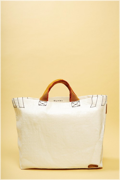 White-Raffia-Tote-with-mecapal-strap_463.jpg