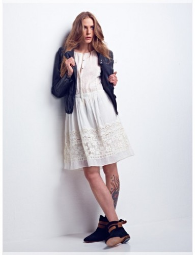 flip-blouson---castrie-dress---lee-boots_1.jpg